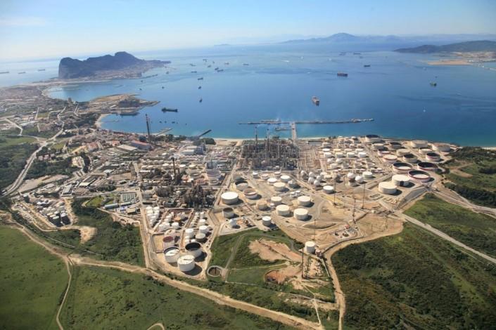 Bahia de Algeciras polo químico en la bahía